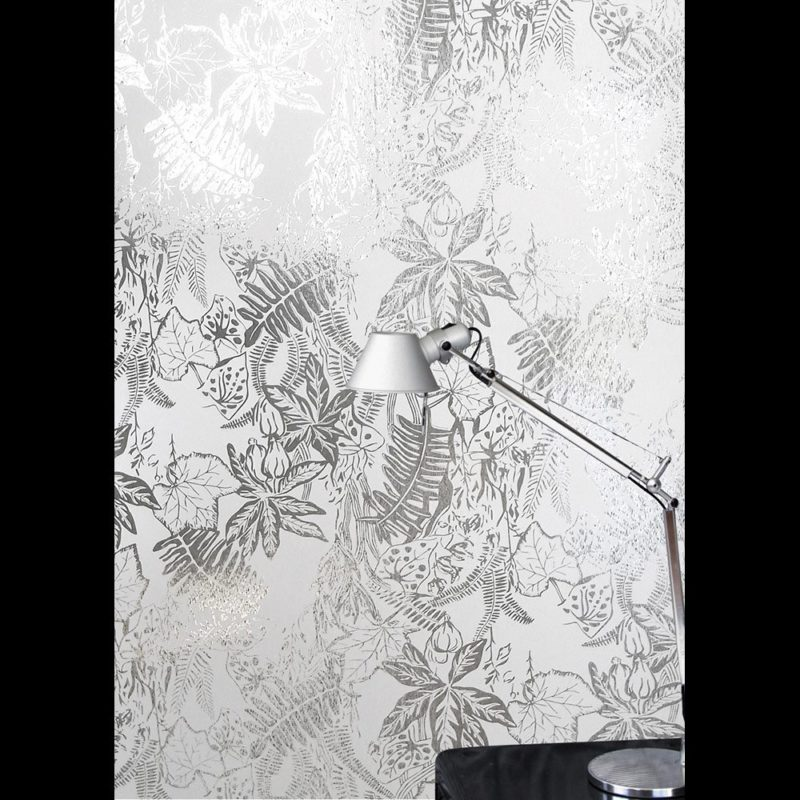 Floral wallpaper | Hothouse silver white